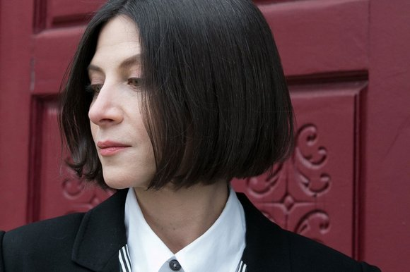 donna tartts the secret history essay Why i hated the secret history by donna tartt and why talking about it made me change my mind by ilana masad • 2 years ago essays and more author interviews.